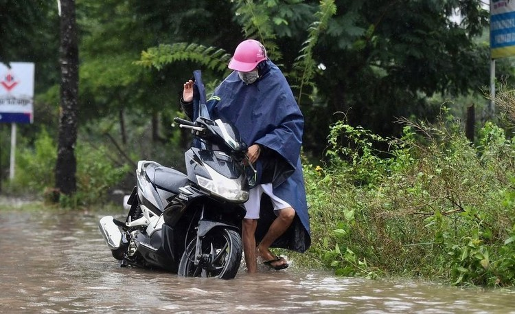 Thiên đường Bảo Sơn bị ngập nhiều giờ sau trận mưa lớn ảnh 5