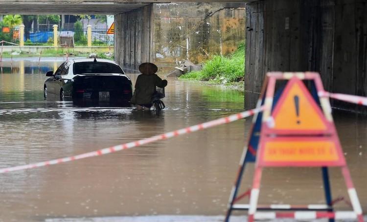 Thiên đường Bảo Sơn bị ngập nhiều giờ sau trận mưa lớn ảnh 6