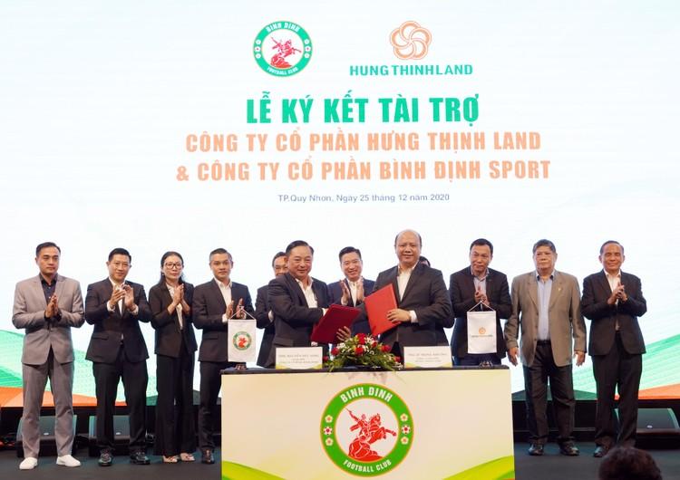 Doanh nghiệp địa ốc sát cánh cùng bóng đá Việt Nam ảnh 3
