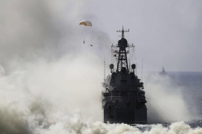 Cuộc tập trận phô diễn sức mạnh của Nga ở Crimea ảnh 4