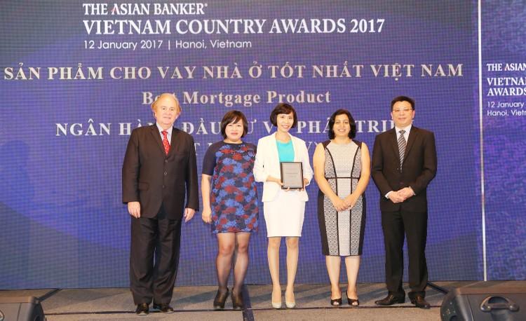 BIDV trở thành Ngân hàng bán lẻ tốt nhất Việt Nam 3 năm liên tiếp ảnh 2