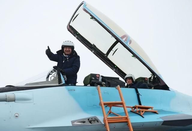 Uy lực máy bay chiến đấu đa năng MiG-35 vừa trình làng ảnh 9