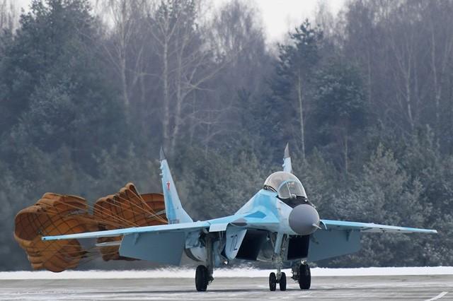 Uy lực máy bay chiến đấu đa năng MiG-35 vừa trình làng ảnh 11