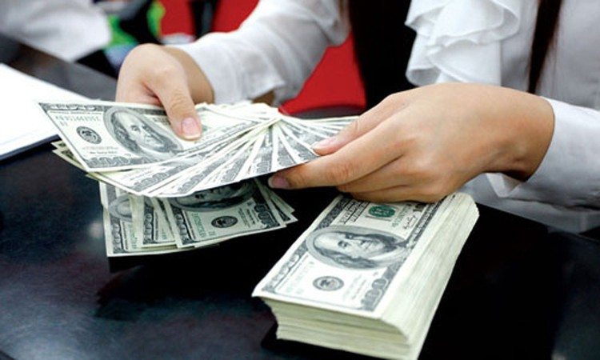 Giá USD tăng mạnh, vàng SJC sụt giảm ảnh 1