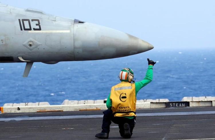 Sức mạnh tàu sân bay Mỹ tuần tra ở Biển Đông ảnh 8