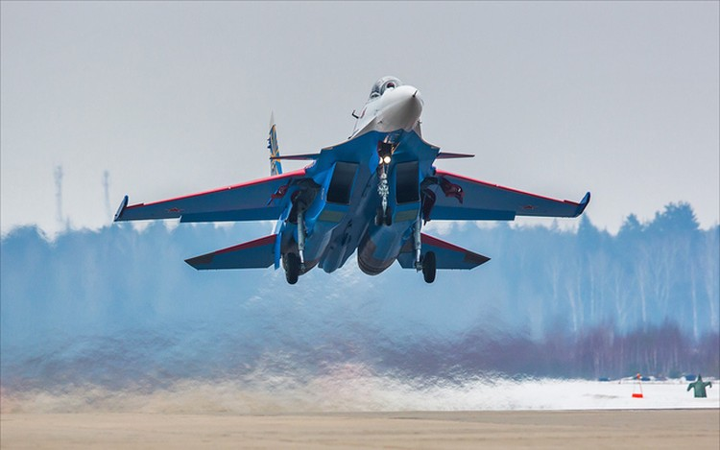 Một ngày tập luyện của đội bay biểu diễn hàng đầu nước Nga ảnh 3