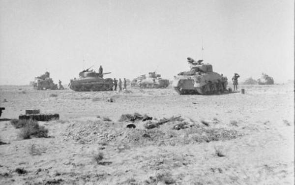 Trận đánh nghi binh mở đầu cho thảm bại của 'cáo sa mạc' Đức ảnh 2