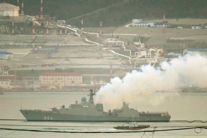 Chiến hạm tàng hình Gepard trầy trụa sau đợt thử nghiệm vũ khí trên biển ảnh 7