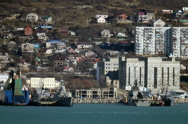 Chiến hạm tàng hình Gepard trầy trụa sau đợt thử nghiệm vũ khí trên biển ảnh 9
