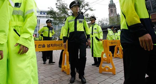 Hàn Quốc điều 8.400 cảnh sát bảo vệ phiên tòa luận tội tổng thống ảnh 1