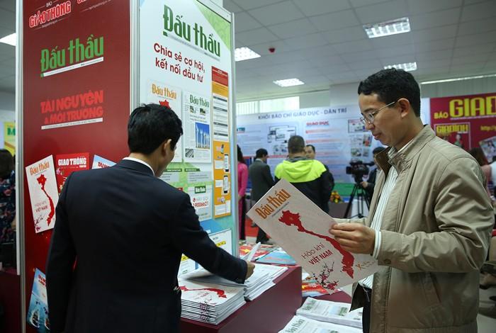 Báo Đấu thầu thu hút sự quan tâm của độc giả tại Hội báo toàn quốc ảnh 3