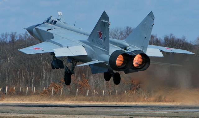 """""""Sát thủ đánh chặn"""" MiG-31 của Nga tập trận ở Viễn Đông ảnh 8"""