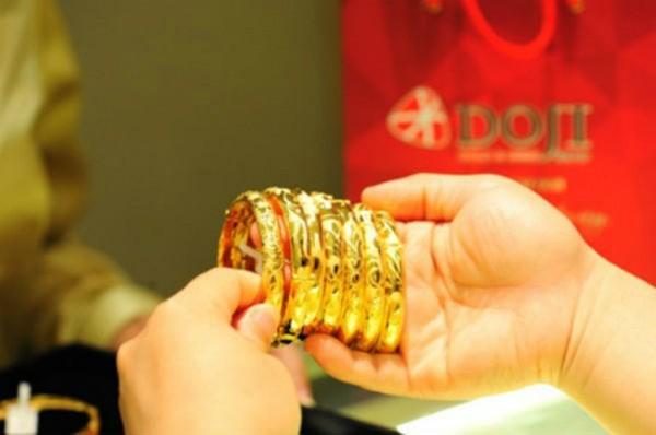 Giá vàng bật tăng đầu tuần ảnh 1