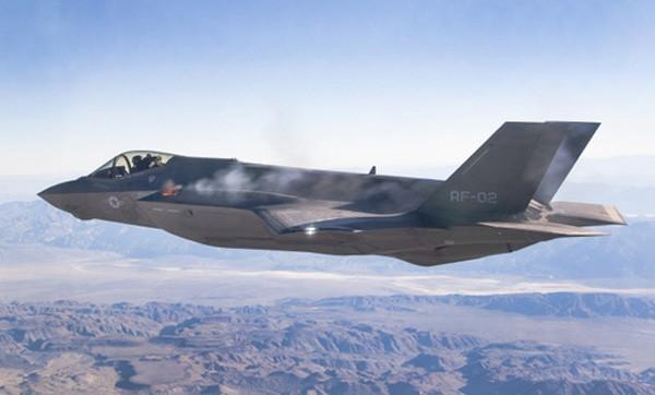 Lo ngại tiêm kích Mỹ, Trung Quốc vội biên chế máy bay tàng hình J-20 ảnh 2