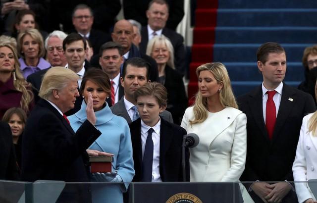 Ái nữ xinh đẹp nhà Trump và chiếc ghế quyền lực vô hình ảnh 1