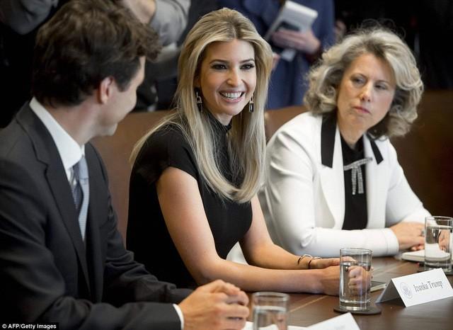 Ái nữ xinh đẹp nhà Trump và chiếc ghế quyền lực vô hình ảnh 3