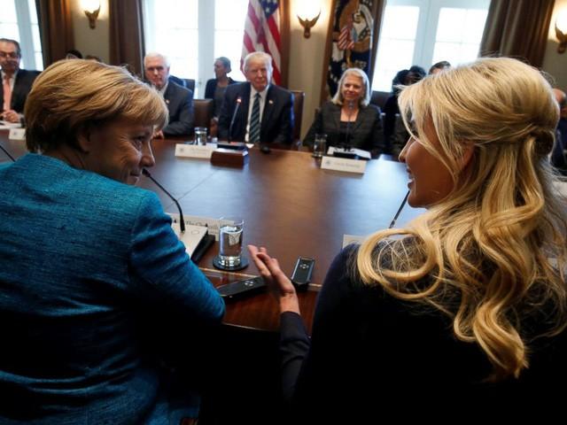 Ái nữ xinh đẹp nhà Trump và chiếc ghế quyền lực vô hình ảnh 9