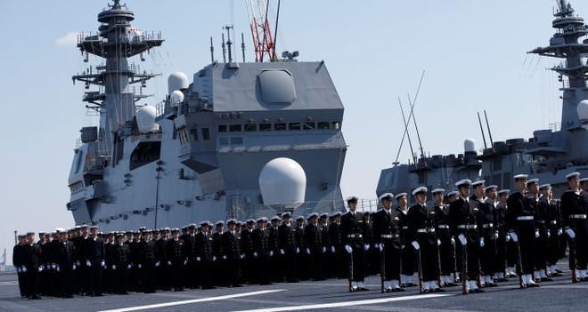 Lễ biên chế chiến hạm lớn nhất Nhật từ sau Thế chiến II ảnh 3