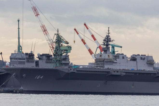 Lễ biên chế chiến hạm lớn nhất Nhật từ sau Thế chiến II ảnh 6