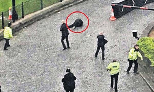 Khoảnh khắc kẻ khủng bố gần quốc hội Anh bị bắn ảnh 1