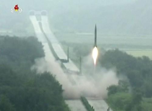 Triều Tiên dọa tấn công phủ đầu tập trận chung Mỹ - Hàn ảnh 1