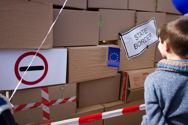 Hàng nghìn người biểu tình bảo vệ EU ở Đức ảnh 10