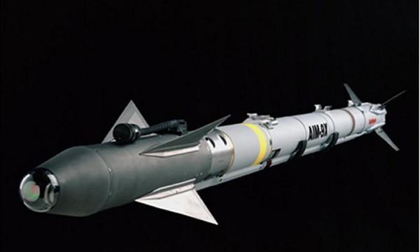 Phi công tiêm kích F-22 Mỹ vui mừng với tên lửa hồng ngoại mới ảnh 1