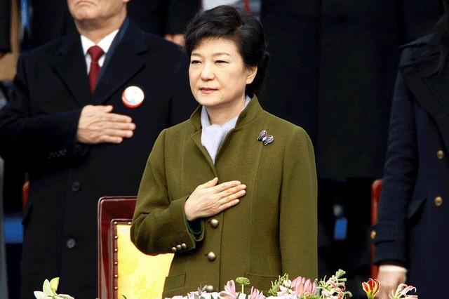 Cuộc đời bi kịch của bà Park Geun-hye từ Nhà Xanh tới song sắt nhà lao ảnh 9