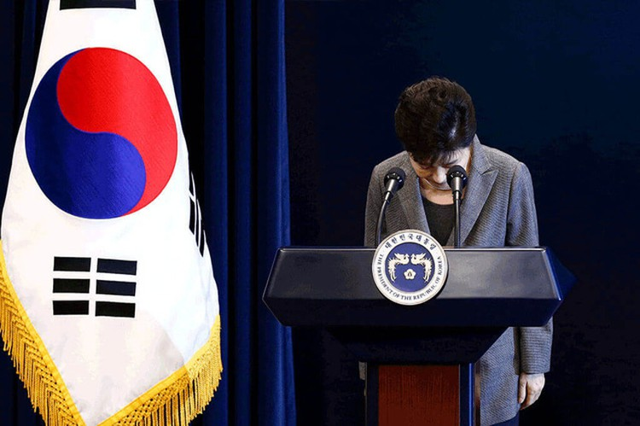 Cuộc đời bi kịch của bà Park Geun-hye từ Nhà Xanh tới song sắt nhà lao ảnh 13