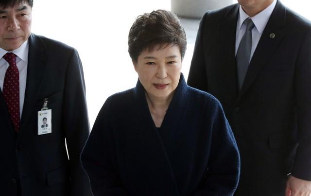 Cuộc đời bi kịch của bà Park Geun-hye từ Nhà Xanh tới song sắt nhà lao ảnh 16