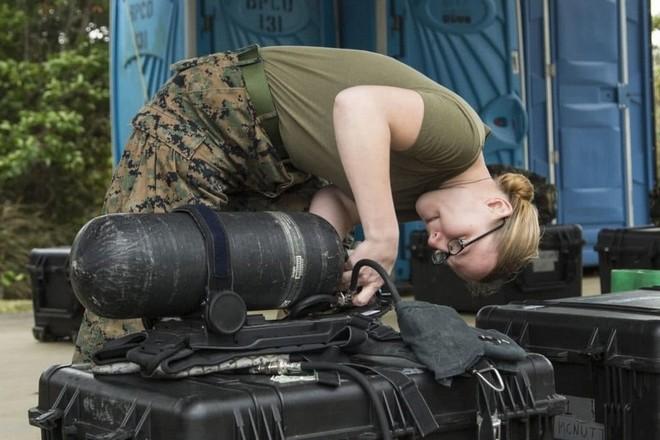 Quy trình khử độc từ vũ khí hủy diệt hàng loạt của quân đội Mỹ ảnh 2