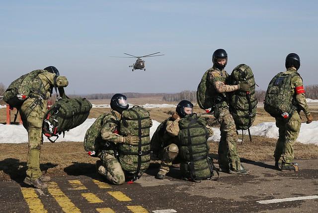 """Sức mạnh """"đáng nể"""" của Vệ binh Quốc gia Nga ảnh 4"""