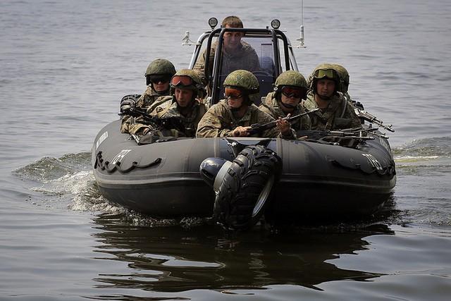 """Sức mạnh """"đáng nể"""" của Vệ binh Quốc gia Nga ảnh 15"""