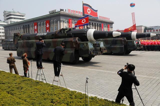 """""""Bài toán"""" Triều Tiên dễ hay khó với Tổng thống Trump? ảnh 1"""