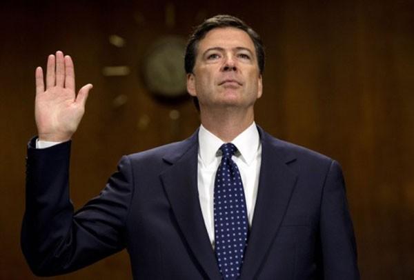 Trump bất ngờ sa thải giám đốc FBI ảnh 1