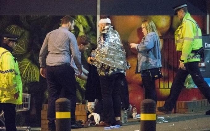 Cảnh sát Anh phong toả hiện trường vụ nổ nghi khủng bố ảnh 2