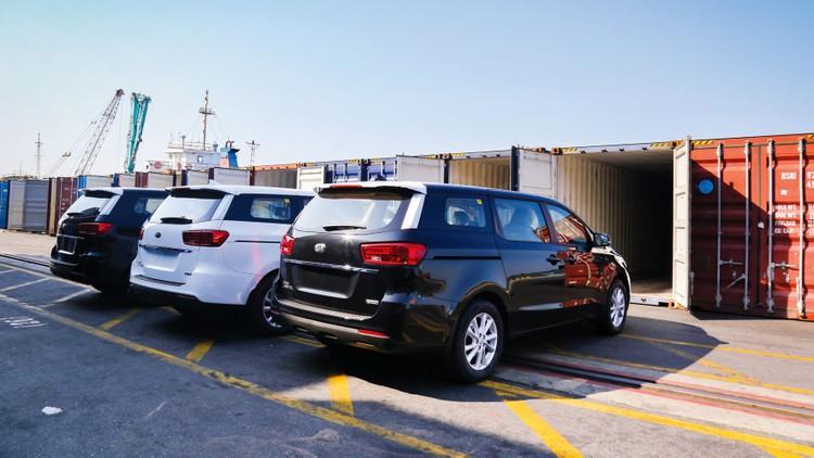 THACO xuất khẩu 40 xe Kia Grand Carnival sang Thái Lan ảnh 1