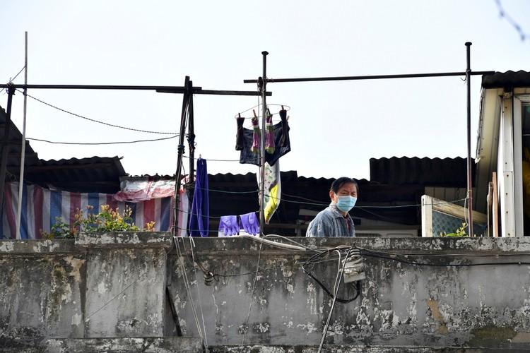 Người Vũ Hán đếm ngược đến ngày rời 'nhà tù' ban công, sân thượng ảnh 8