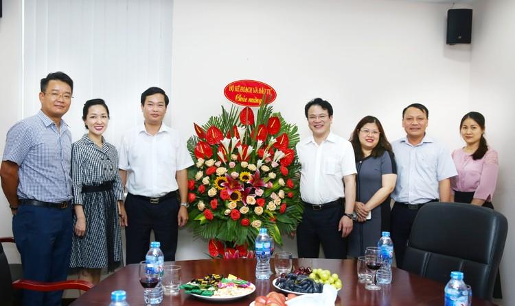 Lãnh đạo Bộ KH&ĐT chúc mừng Báo Đấu thầu nhân Ngày Báo chí cách mạng Việt Nam ảnh 2