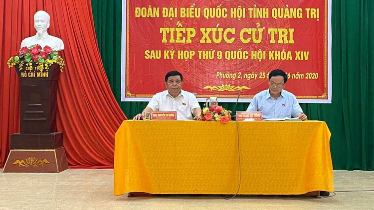 Bộ trưởng Bộ Kế hoạch và Đầu tư Nguyễn Chí Dũng tiếp xúc cử tri sau Kỳ họp thứ 9, Quốc hội khóa XIV ảnh 1