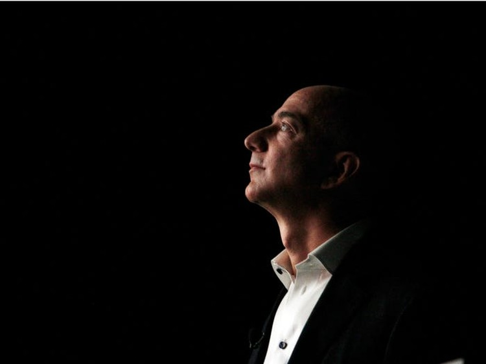 Jeff Bezos đã xây dựng đế chế Amazon và trở thành người giàu có nhất thế giới như thế nào? ảnh 2