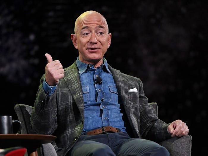 Jeff Bezos đã xây dựng đế chế Amazon và trở thành người giàu có nhất thế giới như thế nào? ảnh 14