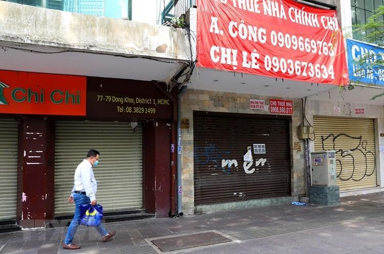 Hàng loạt cửa hàng ở TP Hồ Chí Minh phải đóng cửa do ế ẩm ảnh 2