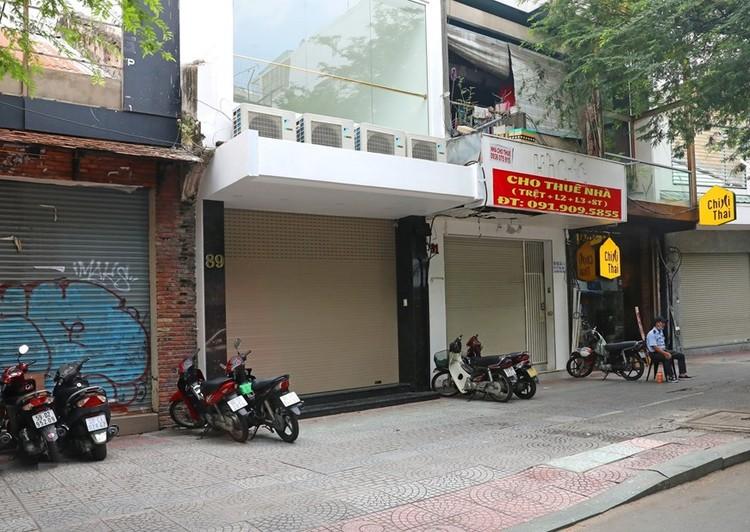 Hàng loạt cửa hàng ở TP Hồ Chí Minh phải đóng cửa do ế ẩm ảnh 5