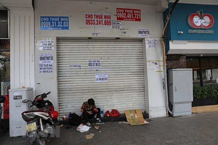 Hàng loạt cửa hàng ở TP Hồ Chí Minh phải đóng cửa do ế ẩm ảnh 7