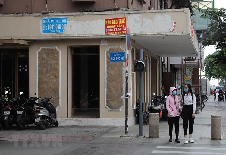 Hàng loạt cửa hàng ở TP Hồ Chí Minh phải đóng cửa do ế ẩm ảnh 9