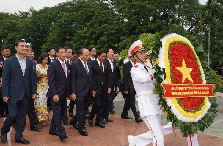 Chùm ảnh: Thủ tướng Nguyễn Xuân Phúc dự Đại hội Đảng bộ TP. Hải Phòng ảnh 7