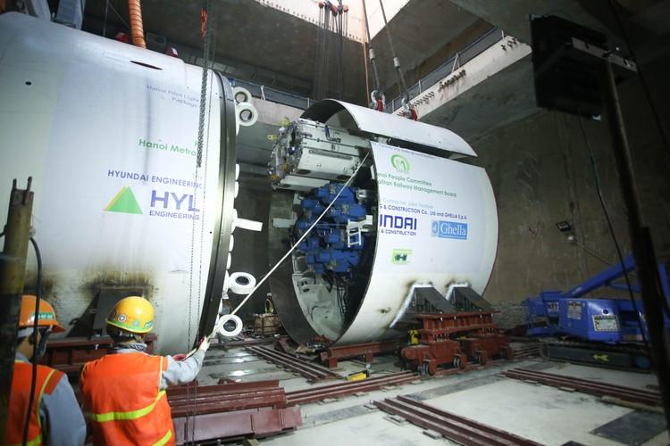 Robot đào hầm của tuyến đường sắt đô thị số 3, đoạn Nhổn - ga Hà Nội được lắp ráp như thế nào? ảnh 5
