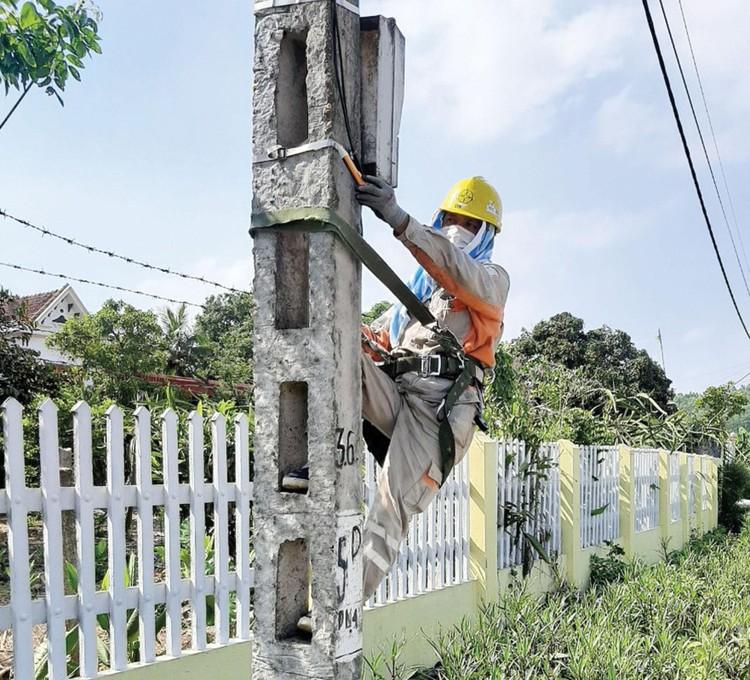 EVNNPC bảo đảm cấp điện phát triển kinh tế và phòng, chống Covid-19 ảnh 2