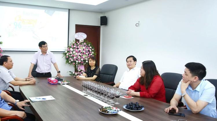 Lãnh đạo Bộ KH&ĐT chúc mừng Báo Đấu thầu nhân kỷ niệm 96 năm ngày Báo chí Cách mạng Việt Nam ảnh 2